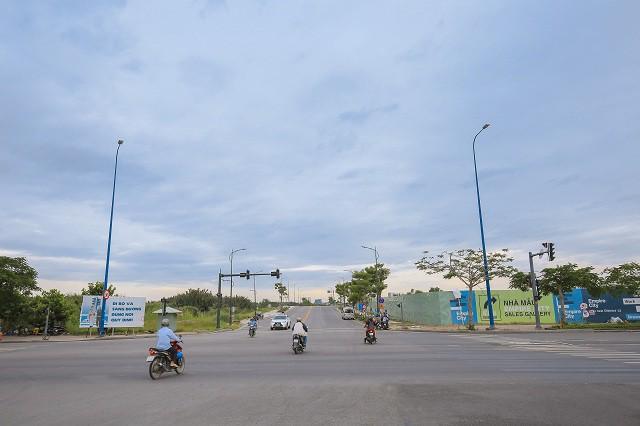 Cận cảnh con đường dát kim cương với chi phí 1.000 tỷ đồng/km ở Khu đô thị mới Thủ Thiêm - Ảnh 12.