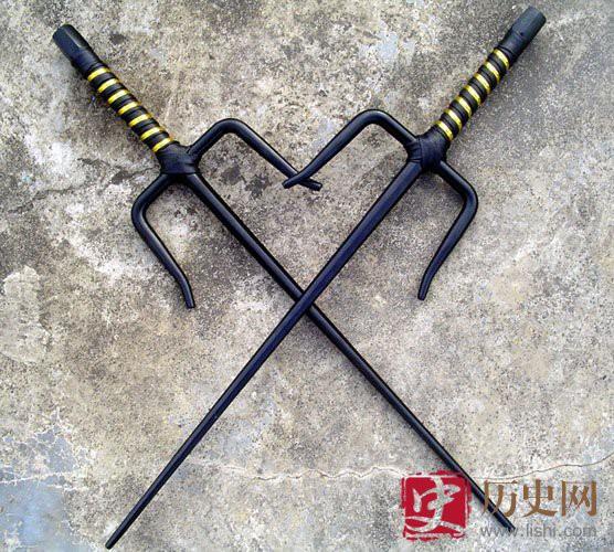 4 vũ khí dị nhất TQ: Cái cuối cùng là khắc tinh của samurai Nhật Bản - Ảnh 4.
