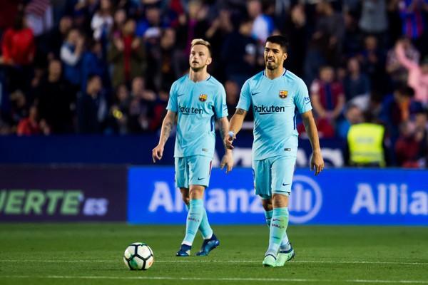 Vòng 37 La Liga: Levante 5-4 Barcelona