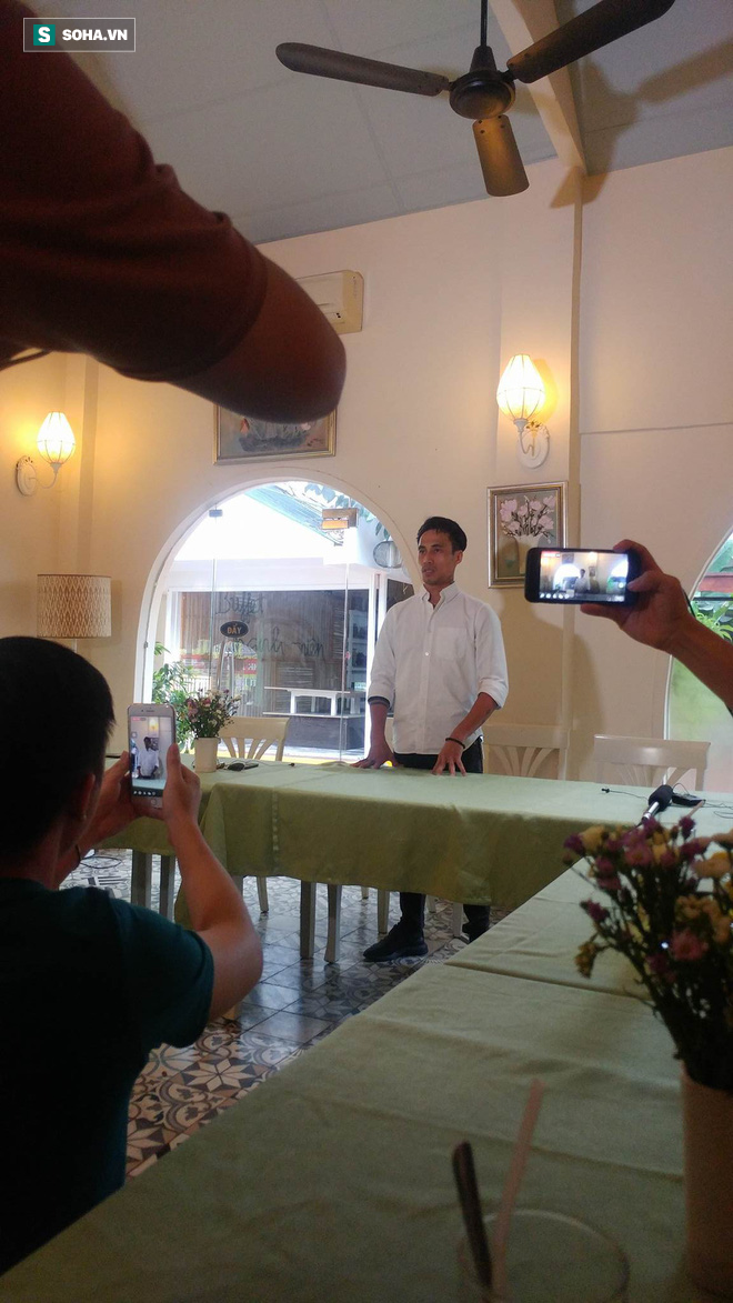 Phạm Anh Khoa họp báo chớp nhoáng, đột ngột bỏ về khiến các phóng viên ngỡ ngàng - Ảnh 12.