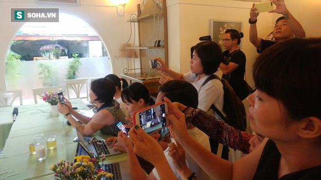 Phạm Anh Khoa họp báo chớp nhoáng, đột ngột bỏ về khiến các phóng viên ngỡ ngàng - Ảnh 7.