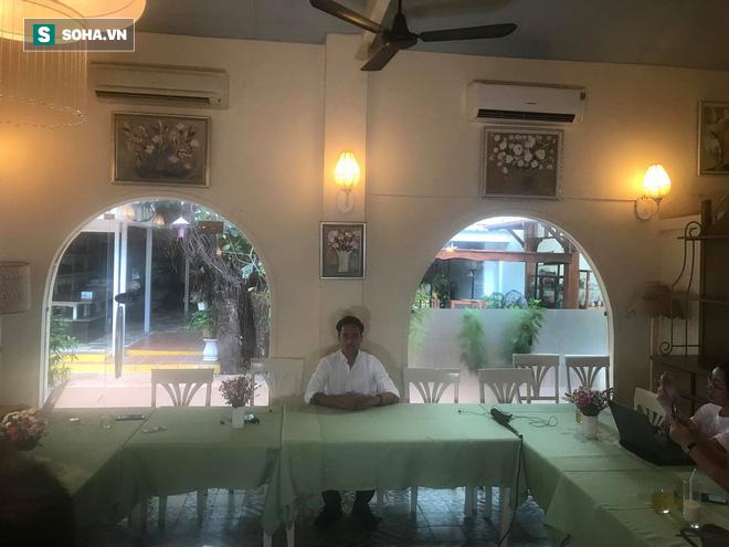 Phạm Anh Khoa họp báo chớp nhoáng, đột ngột bỏ về khiến các phóng viên ngỡ ngàng - Ảnh 4.