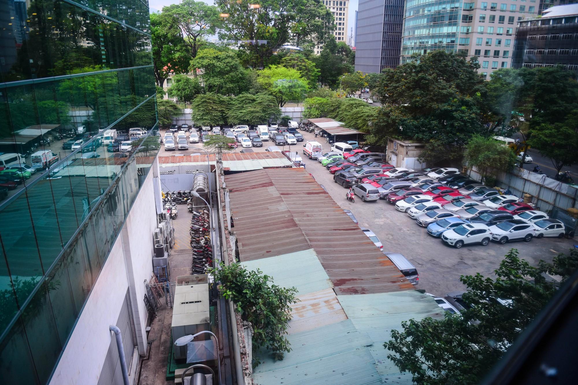 Cận cảnh khu đất vàng 5.000 m2 giữa Sài Gòn được cho thuê giá rẻ mạt  - Ảnh 2.