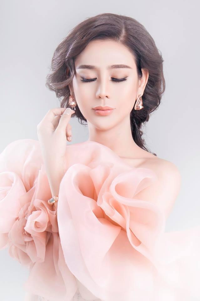 Nhan sắc của người đẹp chuyển giới Lâm Khánh Chi ở tuổi 41 - Ảnh 1.