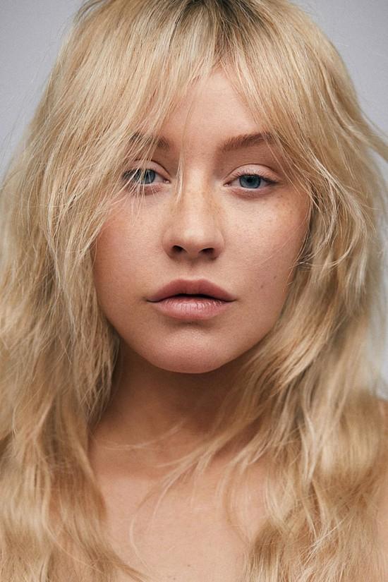 Christina Aguilera: Ám ảnh bị bố ruột bạo hành và gương mặt biến dạng vì nghiện thẩm mỹ - Ảnh 11.