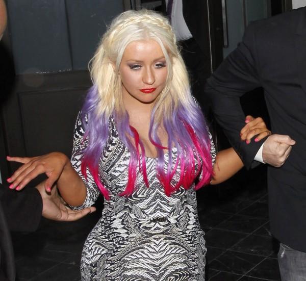 Christina Aguilera: Ám ảnh bị bố ruột bạo hành và gương mặt biến dạng vì nghiện thẩm mỹ - Ảnh 6.