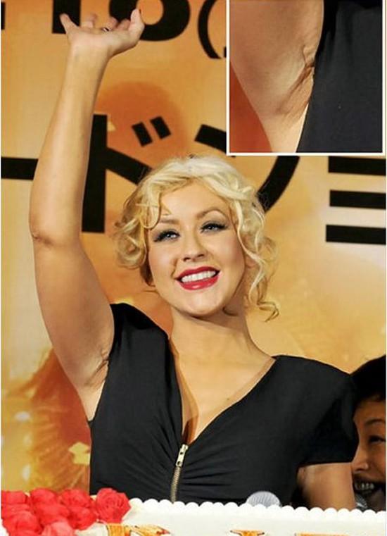 Christina Aguilera: Ám ảnh bị bố ruột bạo hành và gương mặt biến dạng vì nghiện thẩm mỹ - Ảnh 10.