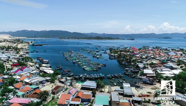 Cận cảnh Bắc Vân Phong nhìn từ trên cao, nơi đang diễn ra cơn sốt đất  - Ảnh 11.