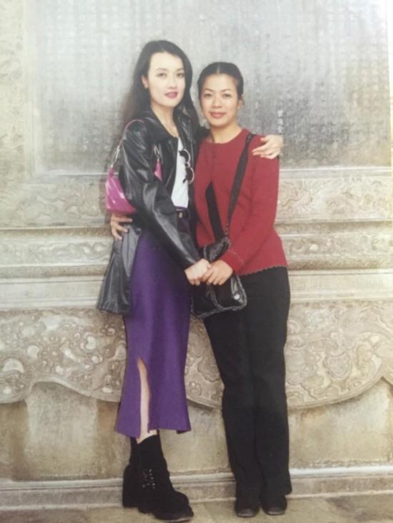 Quá khứ ít ai biết của các danh hài: Vân Dung lọt Top 15 Hoa hậu, Tự Long từng chạy xe ôm kiếm sống - Ảnh 3.