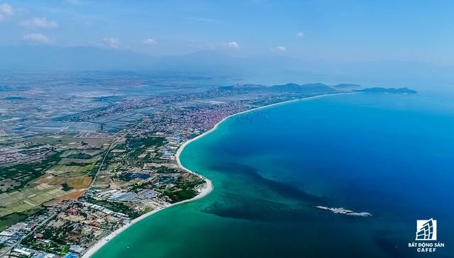 Cận cảnh Bắc Vân Phong nhìn từ trên cao, nơi đang diễn ra cơn sốt đất  - Ảnh 3.