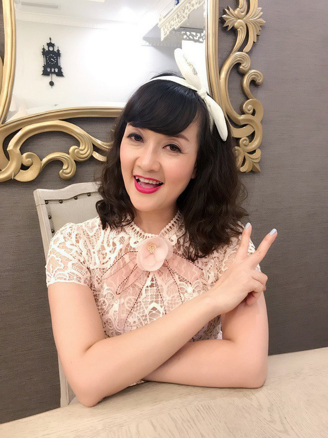 Quá khứ ít ai biết của các danh hài: Vân Dung lọt Top 15 Hoa hậu, Tự Long từng chạy xe ôm kiếm sống - Ảnh 5.