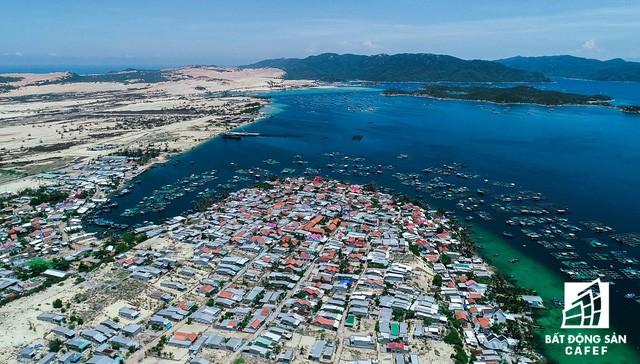Cận cảnh Bắc Vân Phong nhìn từ trên cao, nơi đang diễn ra cơn sốt đất  - Ảnh 8.