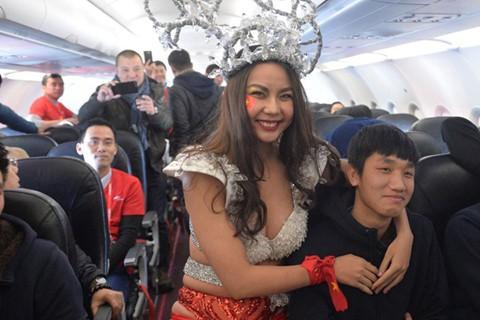 Đừng để hình ảnh U23 Việt Nam bị lợi dụng - Ảnh 3.