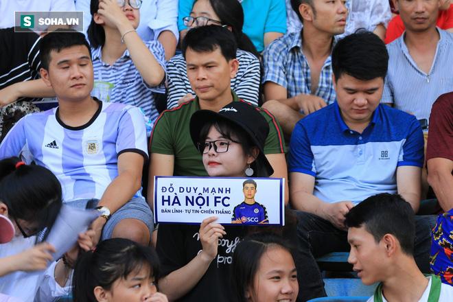 Fan nữ Nam Định, Hà Nội tăng sức nóng cho SVĐ Thiên Trường - Ảnh 4.