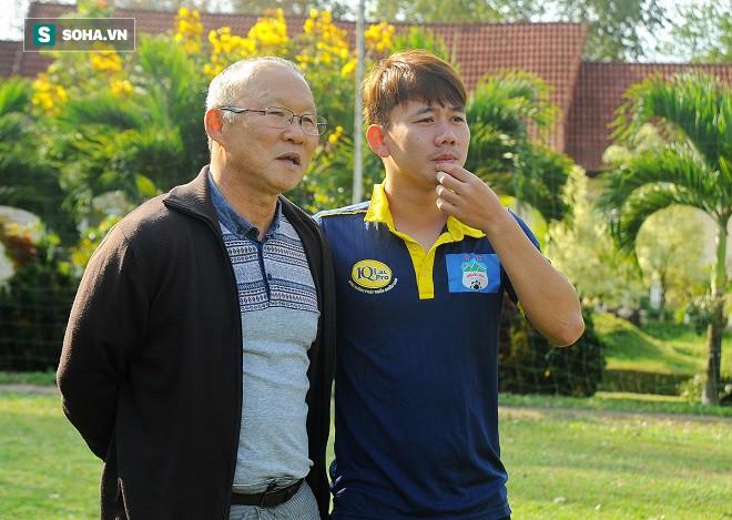 Sự tiếc nuối của HLV Park Hang-seo và bàn thắng dành tặng hai người bố - Ảnh 3.