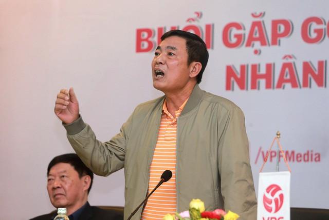 Viễn cảnh ông Trần Mạnh Hùng thay bầu Đức: Xin hãy tự trọng thêm 1 lần nữa! - Ảnh 1.