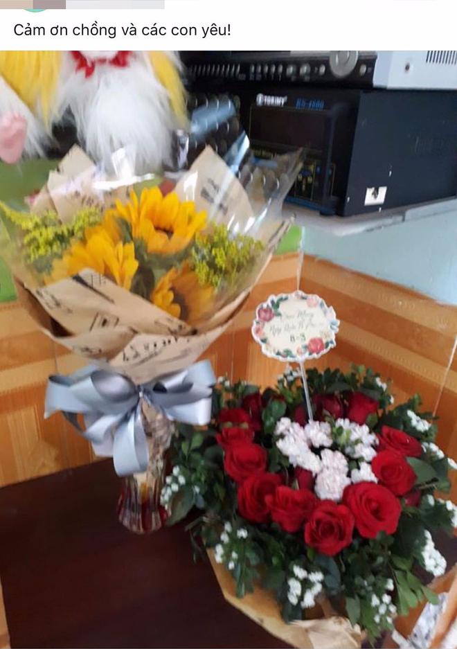 Facebook bảo mẫu bạo hành trẻ ở Đà Nẵng: Đăng ảnh hoa, trẻ em và đang bị tấn công dữ dội - Ảnh 6.