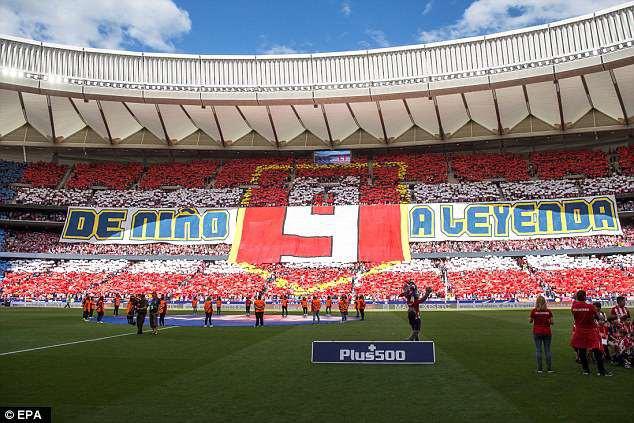 Torres bất ngờ tái hiện hình ảnh sát thủ, Iniesta trọn niềm vui nhờ Coutinho - Ảnh 2.