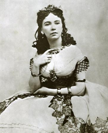 Cuộc đời chìm nổi của kỹ nữ nổi tiếng, giàu sang nhất thành Paris vào thế kỷ 19 - Ảnh 2.