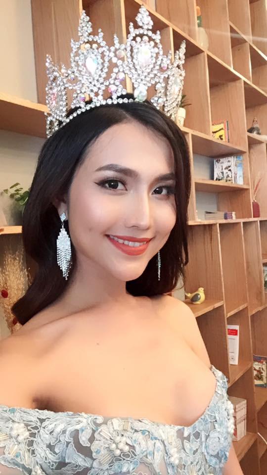 Vẻ đẹp nóng bỏng của Hoa hậu chuyển giới Việt Nam đầu tiên - Ảnh 4.