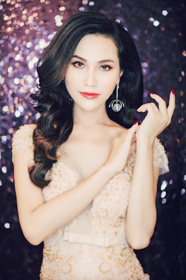 Vẻ đẹp nóng bỏng của Hoa hậu chuyển giới Việt Nam đầu tiên - Ảnh 3.