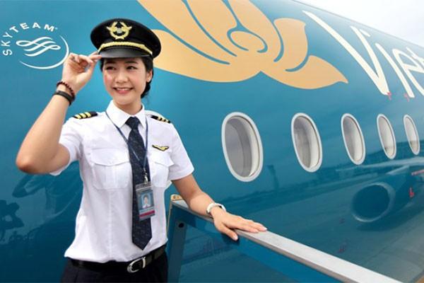 Chiêm ngưỡng nhan sắc xinh đẹp của những nữ phi công hot nhất MXH thế giới - Ảnh 16.