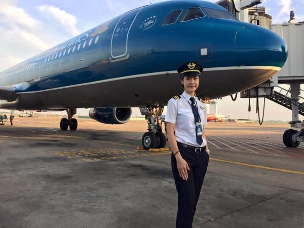 Chiêm ngưỡng nhan sắc xinh đẹp của những nữ phi công hot nhất MXH thế giới - Ảnh 17.