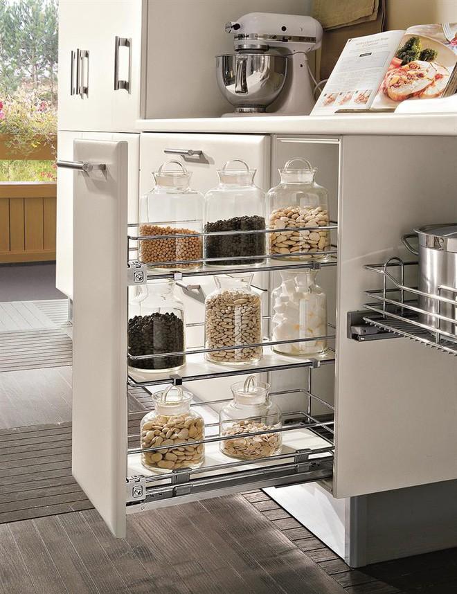 4 thiết kế ngăn lưu trữ thần thánh để tủ bếp trở thành nhà kho mà vẫn gọn gàng - Ảnh 5.