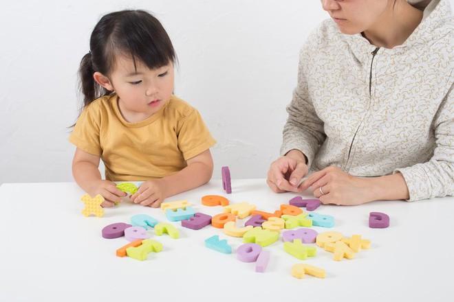 2 thời điểm vàng giúp trẻ học giỏi tiếng Anh bố mẹ không nên bỏ lỡ - Ảnh 3.
