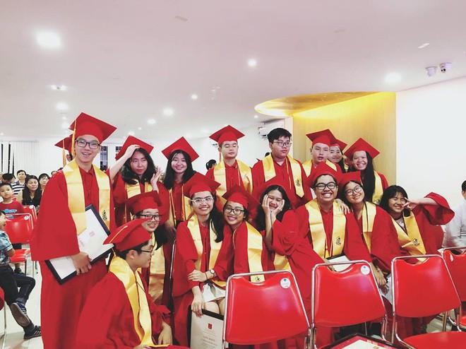 Phương Mỹ Chi xuất sắc tốt nghiệp cấp 2 loại giỏi dù từng bị hoài nghi mê hát bỏ bê việc học - Ảnh 1.