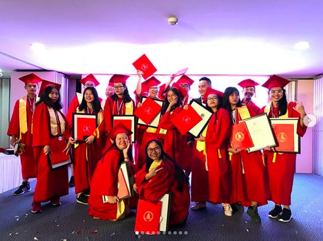 Phương Mỹ Chi xuất sắc tốt nghiệp cấp 2 loại giỏi dù từng bị hoài nghi mê hát bỏ bê việc học - Ảnh 4.