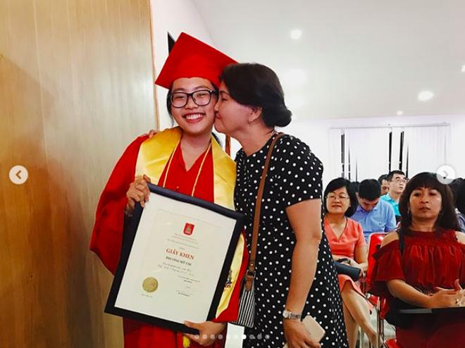 Phương Mỹ Chi xuất sắc tốt nghiệp cấp 2 loại giỏi dù từng bị hoài nghi mê hát bỏ bê việc học - Ảnh 6.