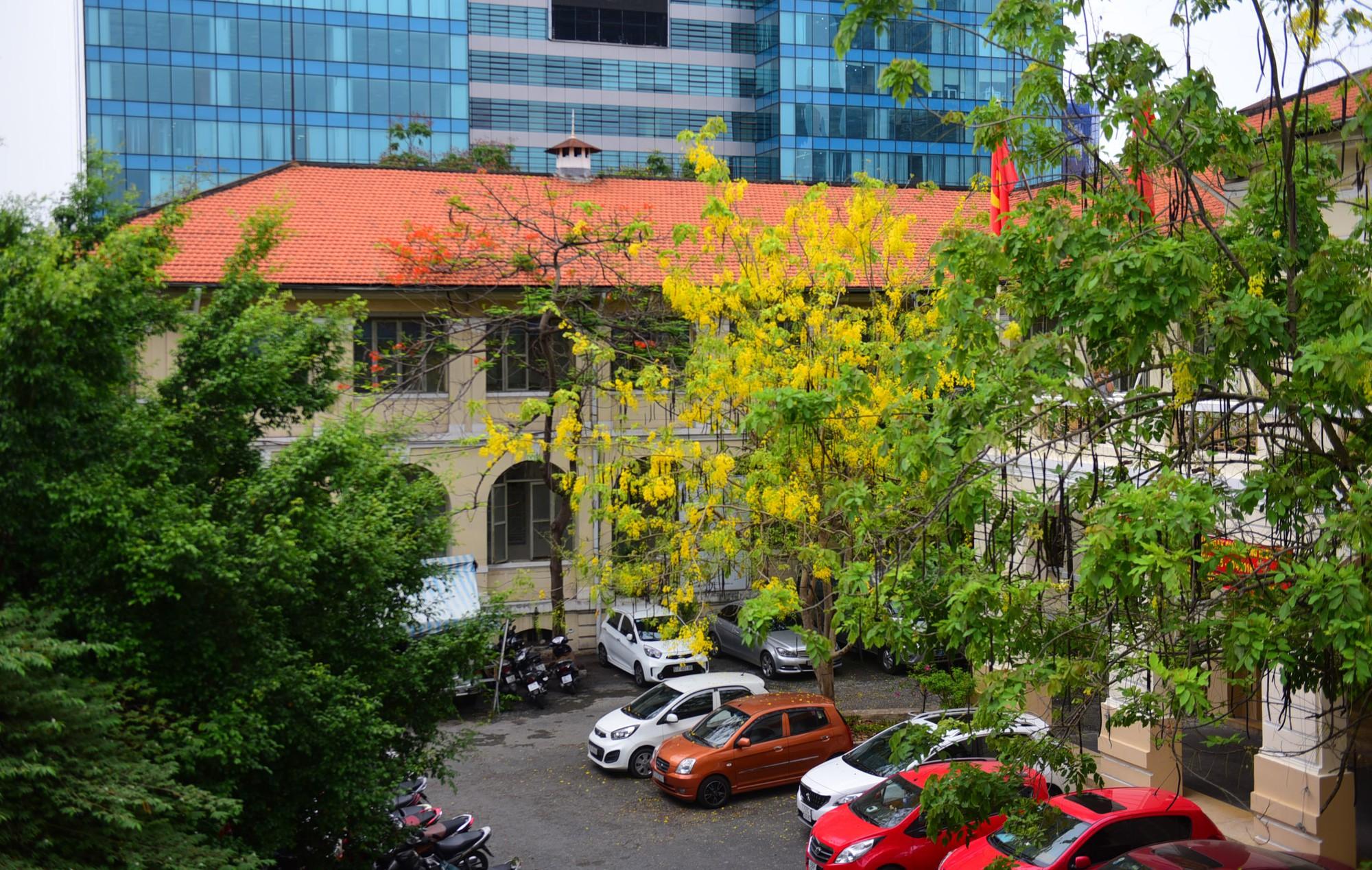 Cận cảnh dinh Thượng Thơ 120 năm tuổi ở Sài Gòn có nguy cơ bị đập bỏ - Ảnh 2.
