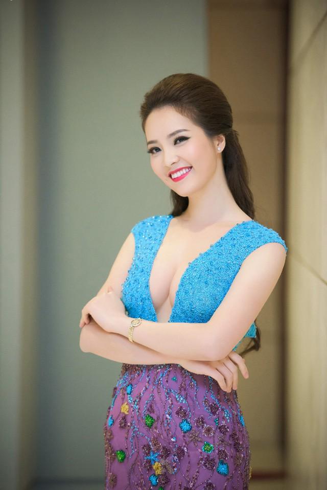 Nhan sắc dàn BTV, MC toàn hoa hậu, á hậu của VTV24 - Ảnh 2.