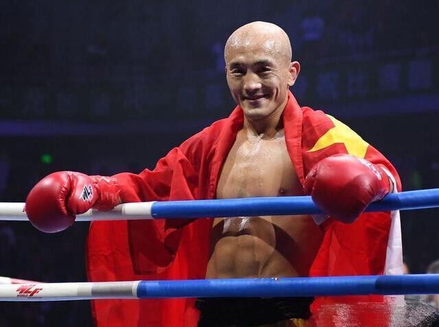 """""""Đệ nhất Thiếu Lâm"""" Yi Long lại làm """"sầu lòng"""" làng võ Trung Quốc - Ảnh 1."""