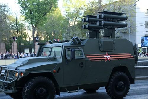 Lực lượng vũ trang Nga diễn tập chuẩn bị cho duyệt binh Ngày Chiến thắng 2018 - Ảnh 10.