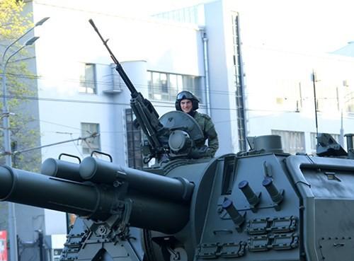 Lực lượng vũ trang Nga diễn tập chuẩn bị cho duyệt binh Ngày Chiến thắng 2018 - Ảnh 5.