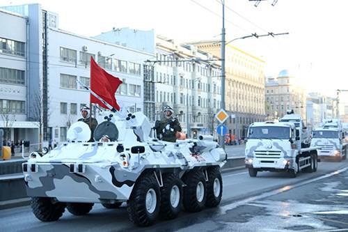 Lực lượng vũ trang Nga diễn tập chuẩn bị cho duyệt binh Ngày Chiến thắng 2018 - Ảnh 20.