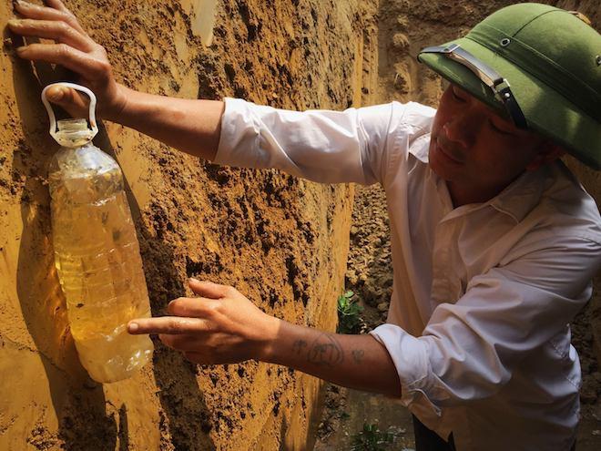 Vụ giếng nước biến thành giếng dầu: Doanh nghiệp và người dân tổ chức đối thoại - Ảnh 4.