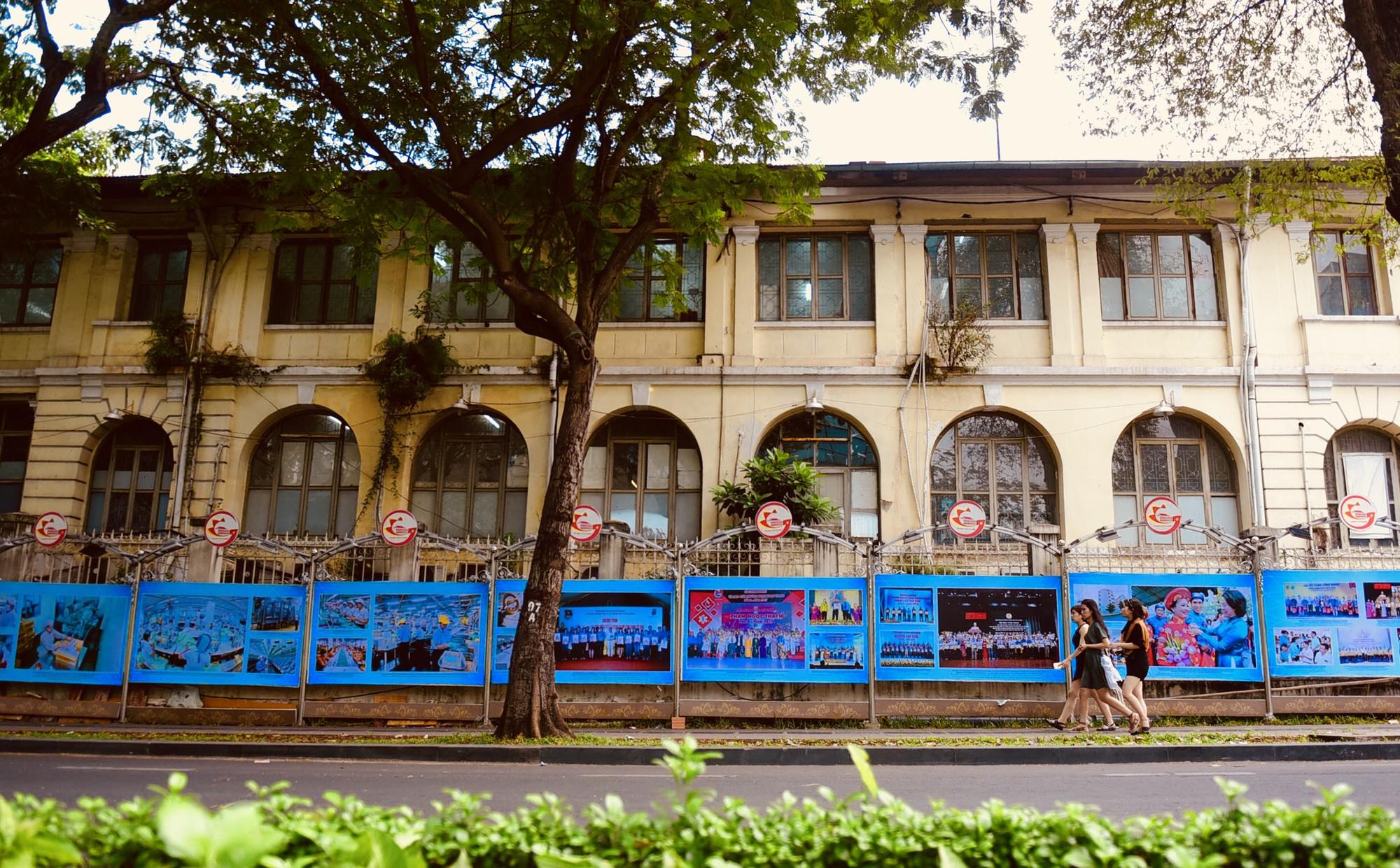 Cận cảnh dinh Thượng Thơ 120 năm tuổi ở Sài Gòn có nguy cơ bị đập bỏ - Ảnh 17.