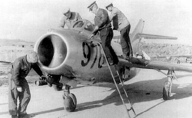 Từ tin chấn động lan nhanh khắp địa cầu đến vụ tiêm kích MiG tai nạn thảm khốc - Ảnh 3.