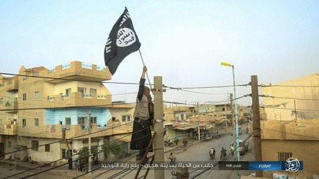 Chiến dịch Bão cát Syria tái khởi động: Đánh dập đầu IS không cho chúng gượng dậy - Ảnh 4.
