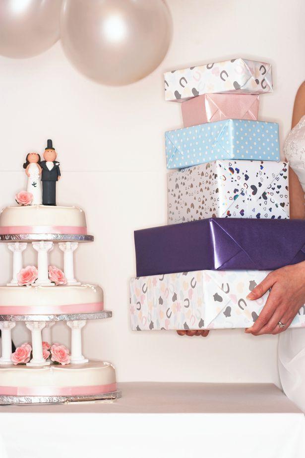 Nhận được quà cưới trị giá 2 triệu đồng, chú rể đòi trả lại với lý do khó chấp nhận - Ảnh 1.