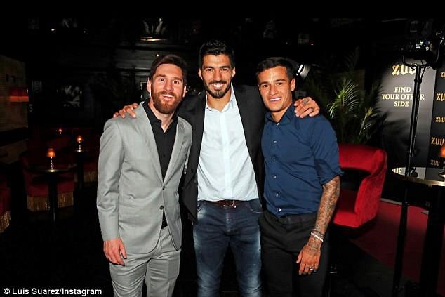 Messi cùng dàn sao Barcelona dẫn vợ và bạn gái đi ăn mừng trước thềm El Clasico - Ảnh 3.