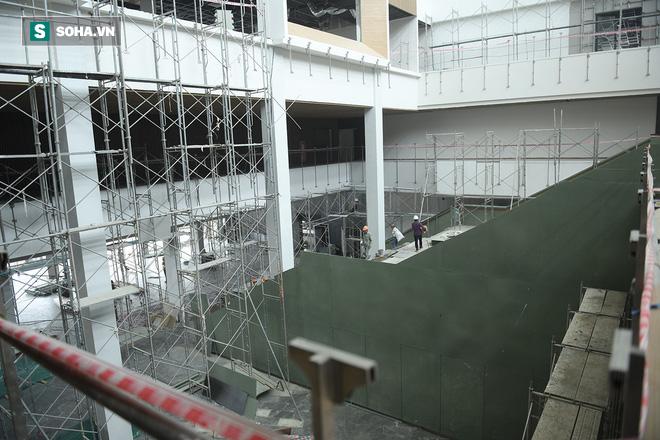 Một ngày ở đại công trường Vinfast: Cận cảnh khu nhà điều hành tuyệt đẹp của Vinfast - Ảnh 7.