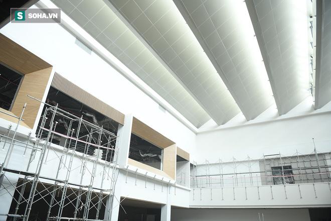 Một ngày ở đại công trường Vinfast: Cận cảnh khu nhà điều hành tuyệt đẹp của Vinfast - Ảnh 8.