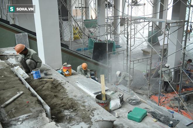Một ngày ở đại công trường Vinfast: Cận cảnh khu nhà điều hành tuyệt đẹp của Vinfast - Ảnh 11.