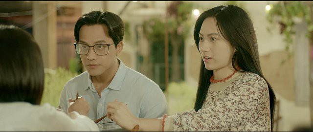 Nhiều sạn vô lý trong phim Em gái mưa, đặc biệt là vai thầy giáo của Mai Tài Phến - Ảnh 2.