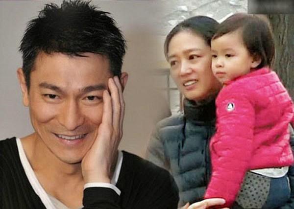 Rò rỉ hình ảnh vợ Lưu Đức Hoa xuất hiện với vòng 2 to bất thường, nghi vấn mang thai ở tuổi 52 - Ảnh 1.