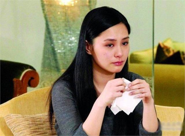"""Sau 10 năm scandal ảnh nóng: Trần Quán Hy bình thản đi qua giông tố, """"nữ chính"""" ê chề ôm nỗi đau mất chồng, bỏ xứ mà đi  - Ảnh 7."""